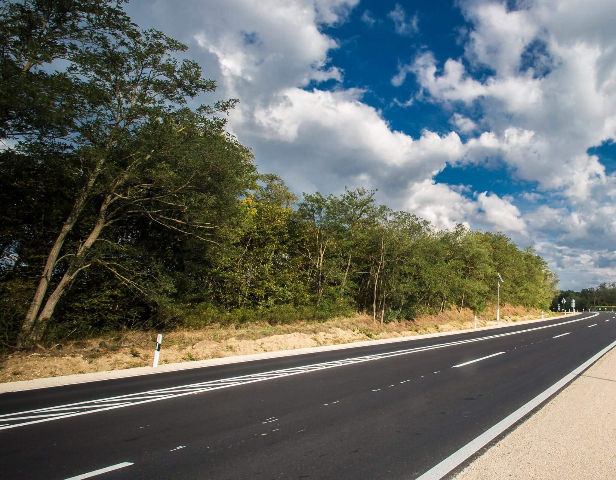 Ezen a nyomvonalon épülhet az Esztergom-M1 gyorsforgalmi út