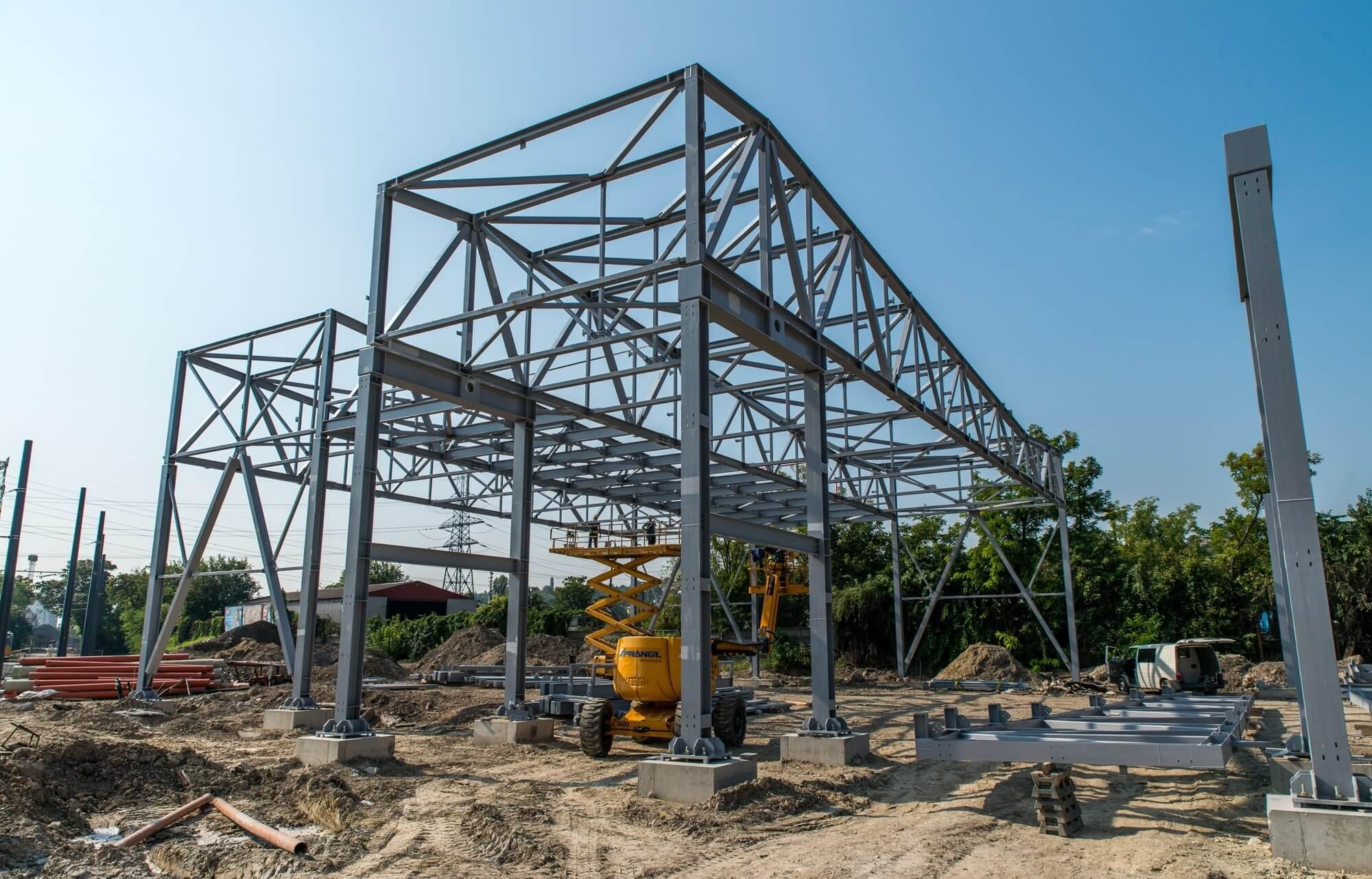 Feléhez közeledik a modern Budafok kocsiszín építése