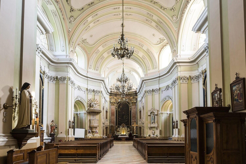 Erdélyi-magyarországi együttműködéssel újult meg Nagykároly temploma