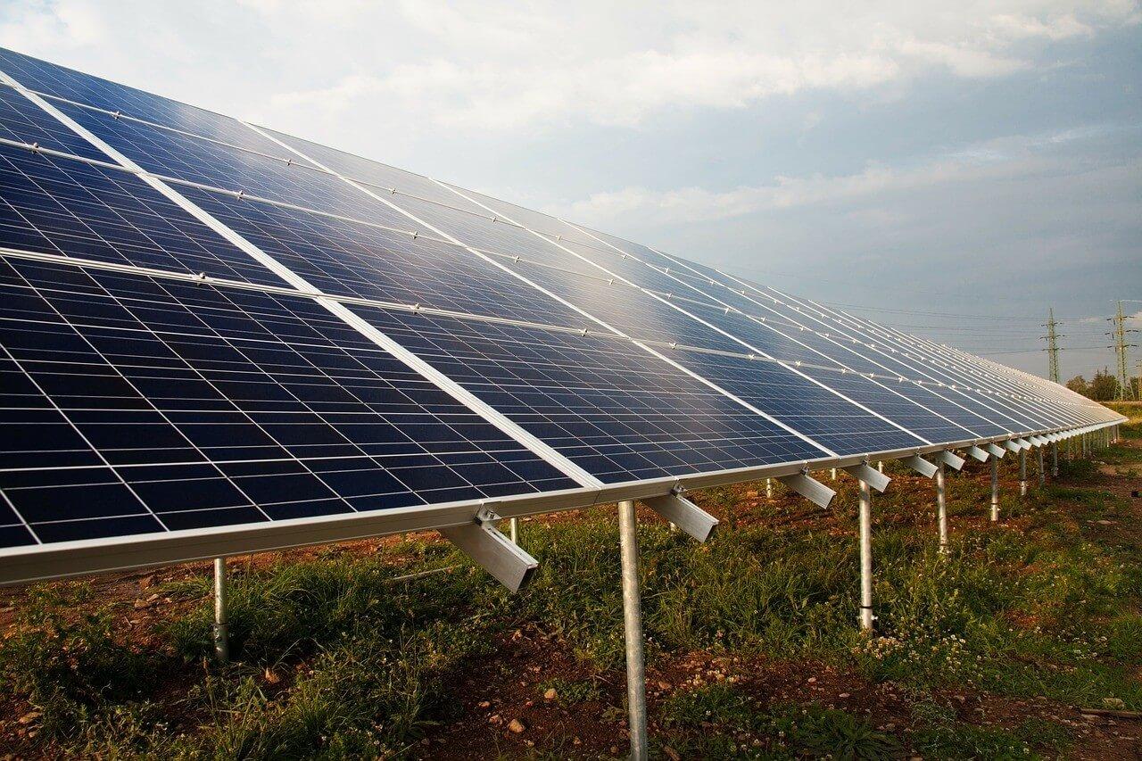 Megújuló energiaforrásra állhatnak át települések az új uniós pályázatban