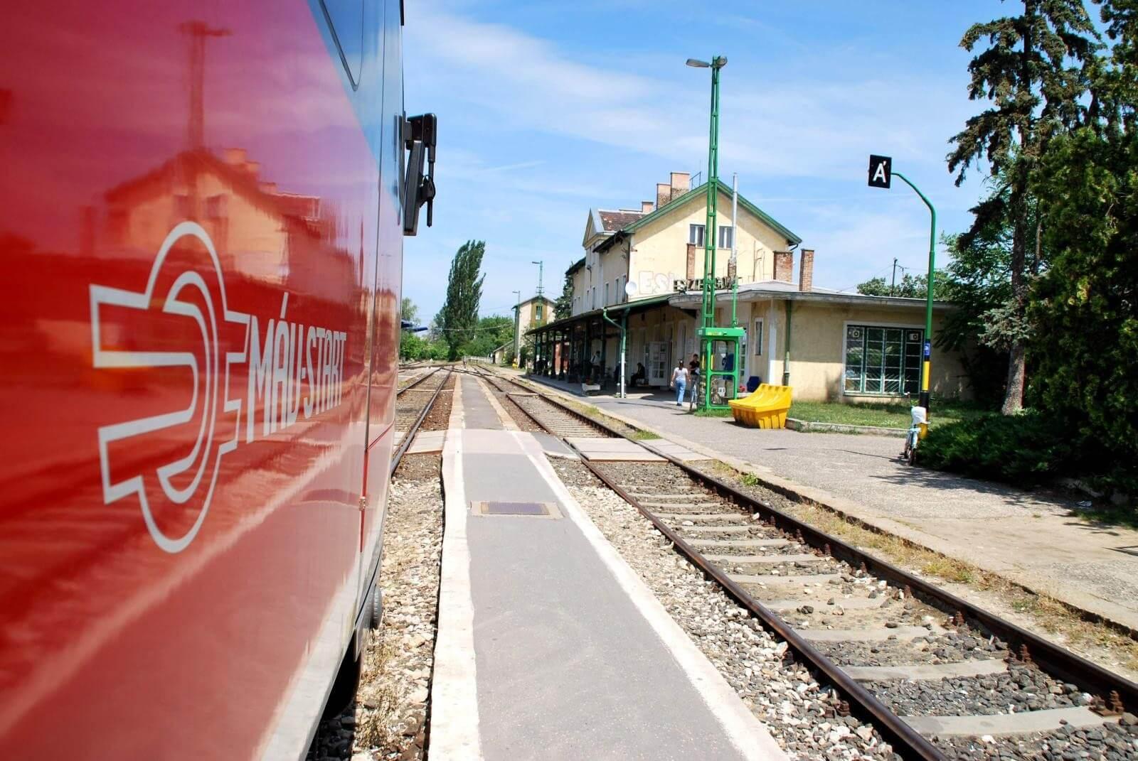 Két-háromszorosára gyorsul a magyar vasutak karbantartása