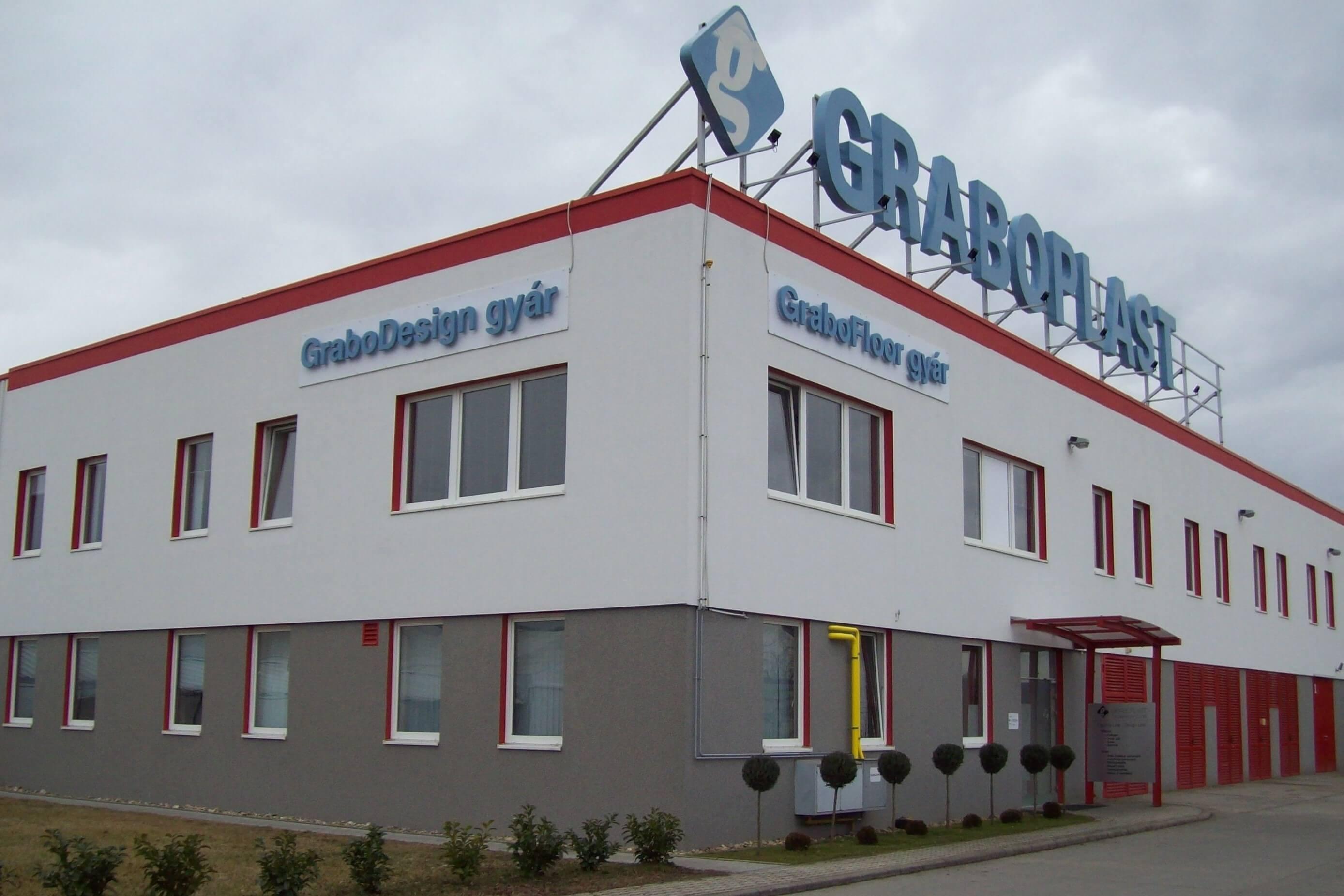 Új raktárat épített a Graboplast Tatabányán
