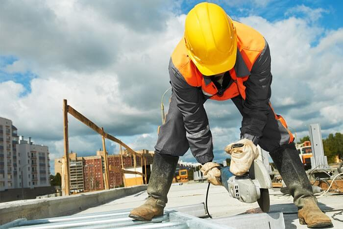 Csökkennek a munkáltatói járulékok, nő a minimálbér