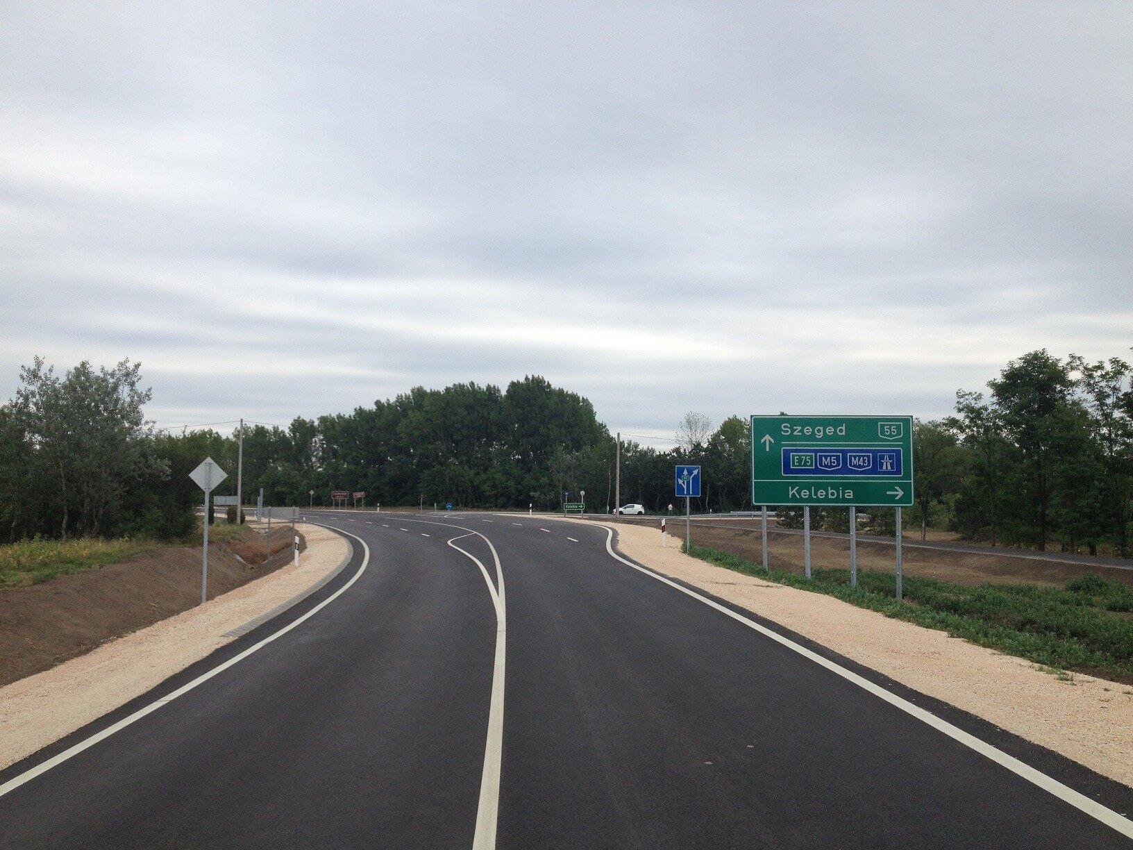 Újabb 15 kilométeren újul meg az 55-ös főút, kerékpárút is készül hozzá