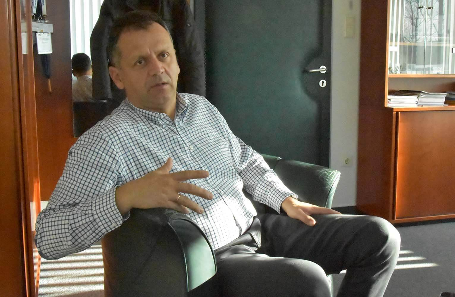 """""""Ha nem is egy család, több mint egy munkahely"""" – interjú Sal Lászlóval"""