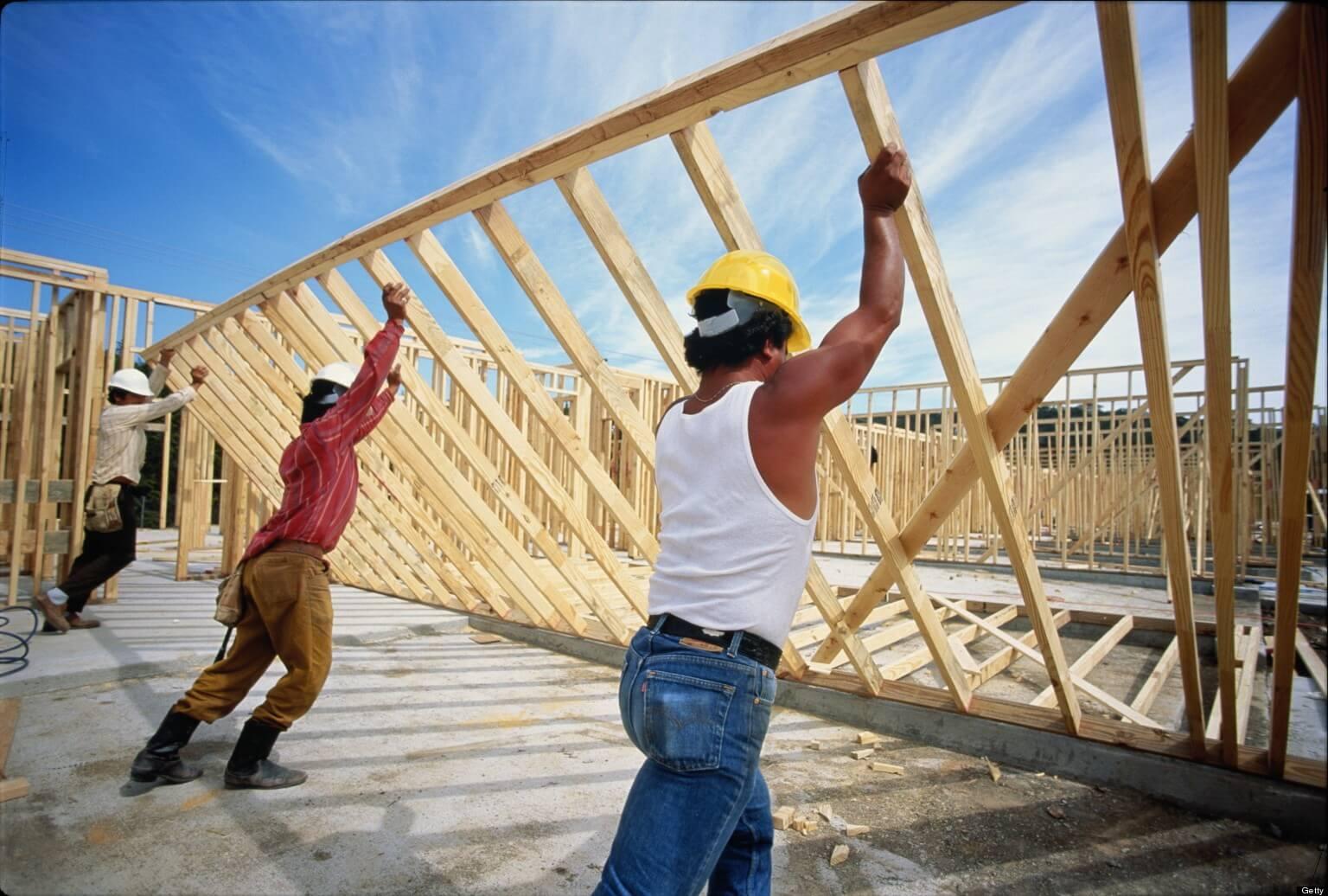 6 százalékkal emelt bért az építőipar, 50-60 százalék kellene