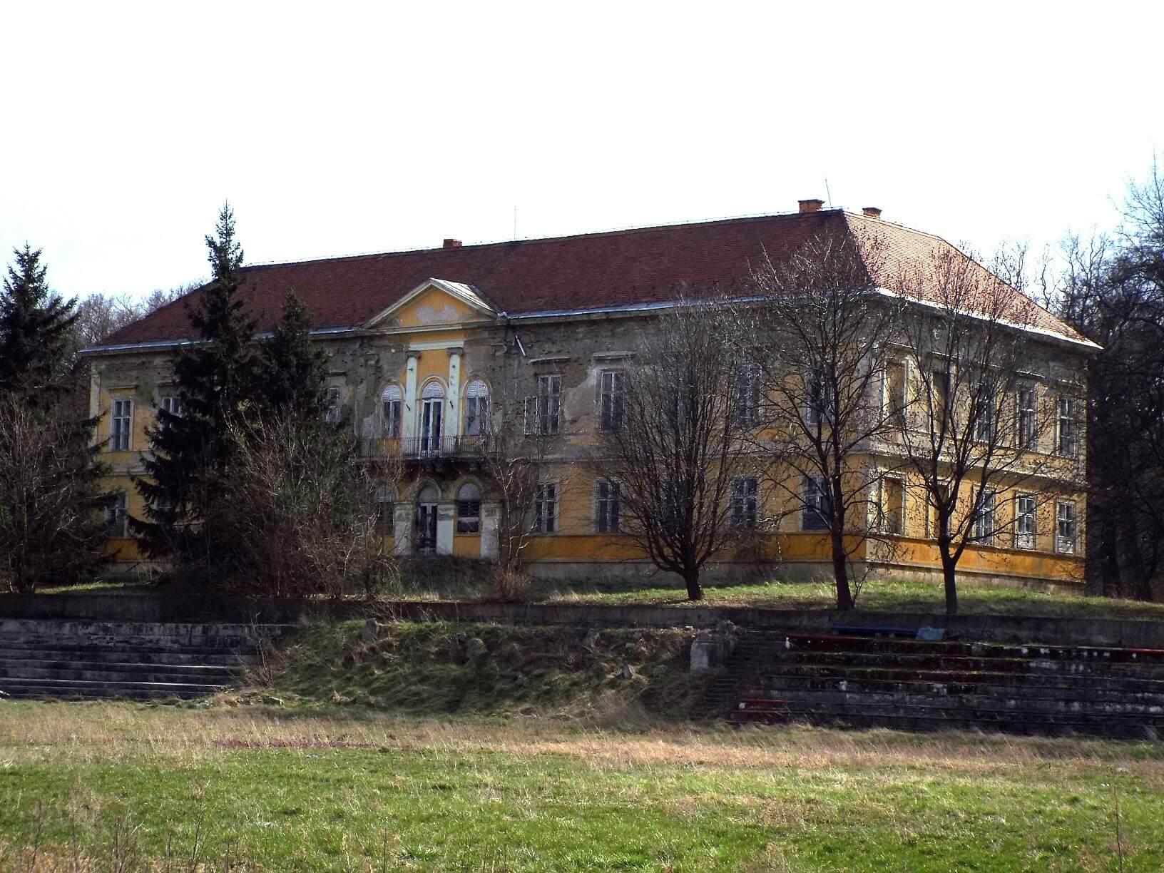 A Westbau megvásárolta és felújítja a bodajki Hochburg-Lamberg kastélyt