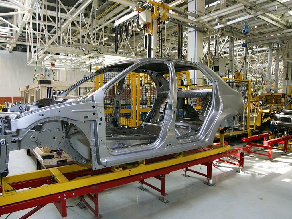 Három magyarországi gyárát is fejleszti egy francia autóipari vállalat