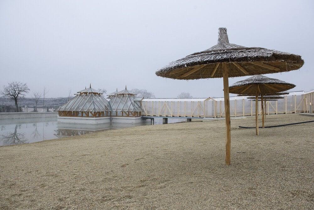 Átadót tartottak az új hevesi termáltó havas strandján