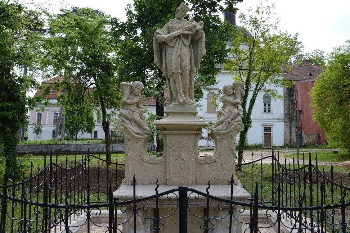Önálló kiadvány méltatja a Pest megyei műemlékfelújításokat