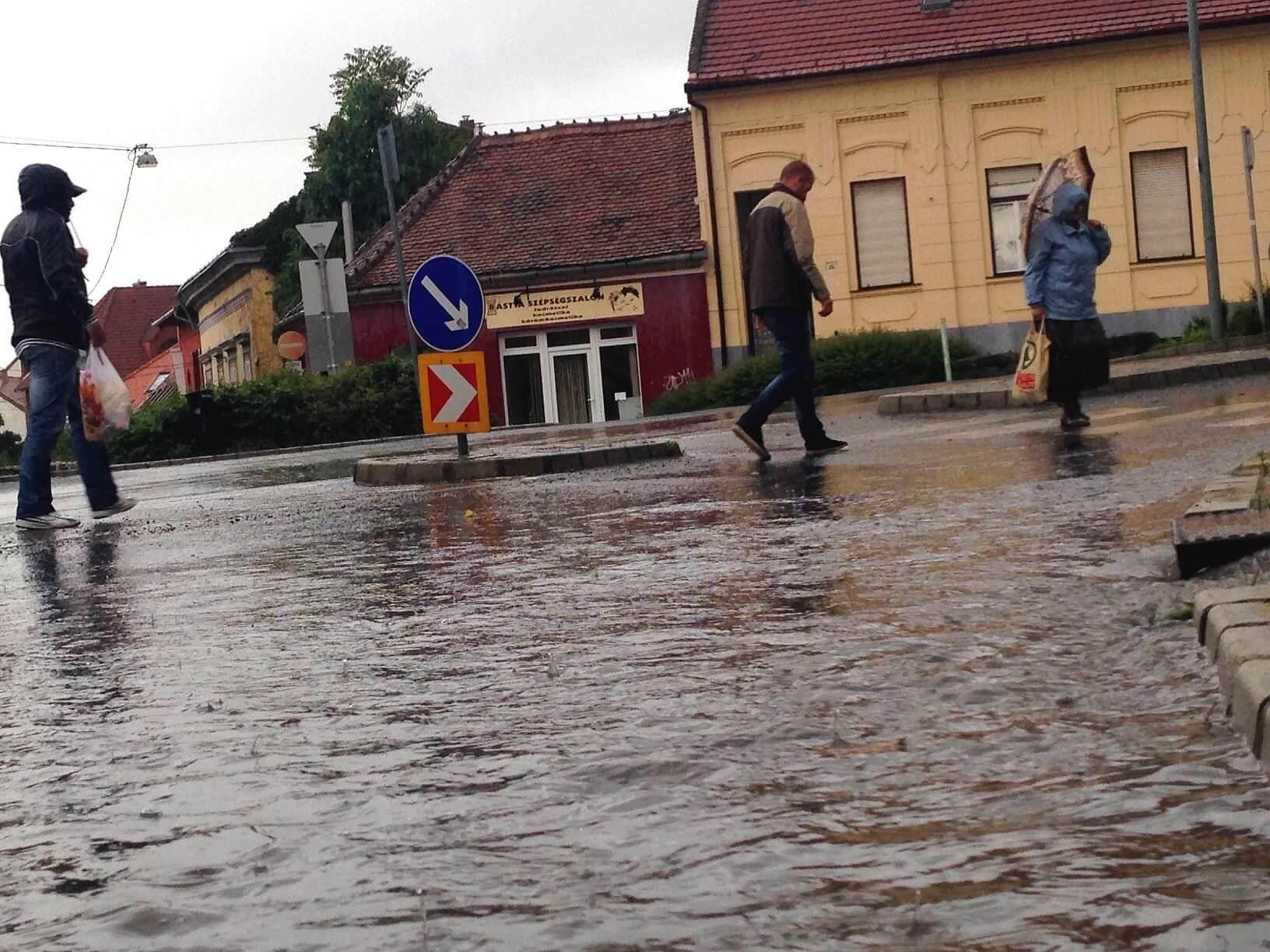 Megoldódik Pécs évtizedes csapadékvíz-elvezetési problémája