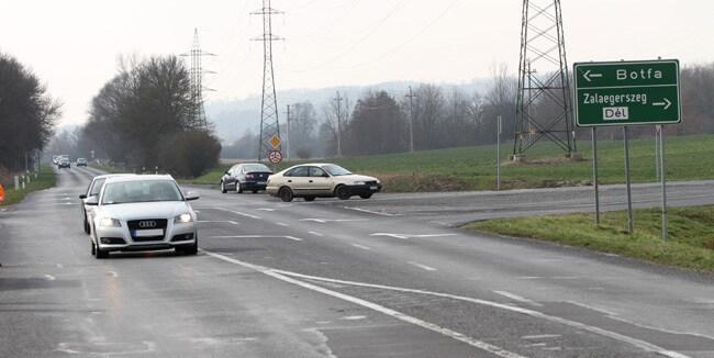 Közel 50 éves, balesetveszélyes útszakasz újult meg Zalaegerszegnél