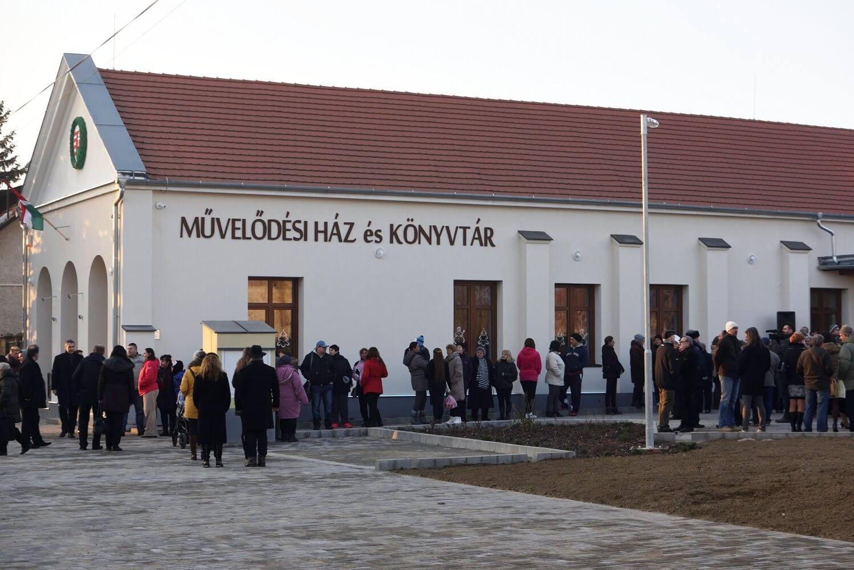 Modern közösségi házzal gazdagodott a Csongrád megyei Magyarcsanád
