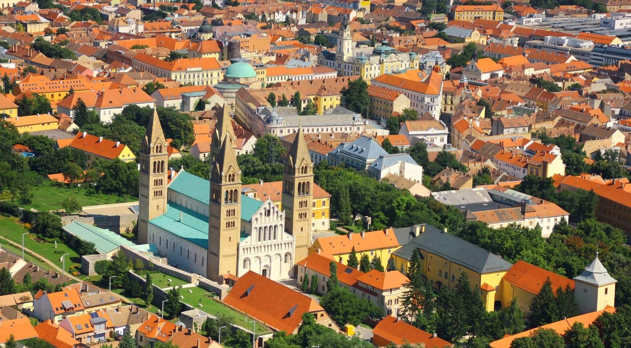 A kerékpáros és a buszos közlekedést támogatja Pécs fejlesztési projektje