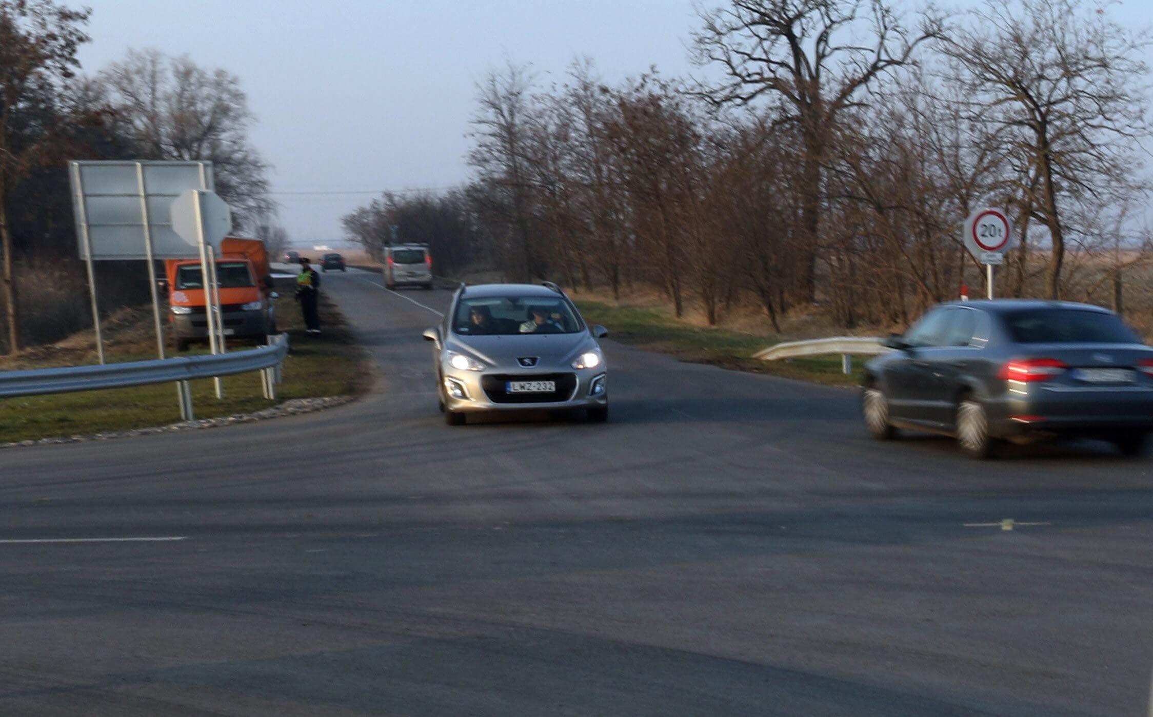 Újabb Jász-Nagykun-Szolnok megyei közúti beruházást adtak át