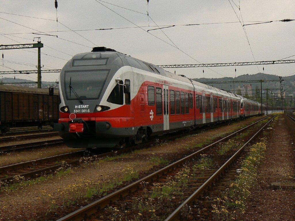 Tovább robog a Püspökladány-Ebes vasúti vonal korszerűsítése