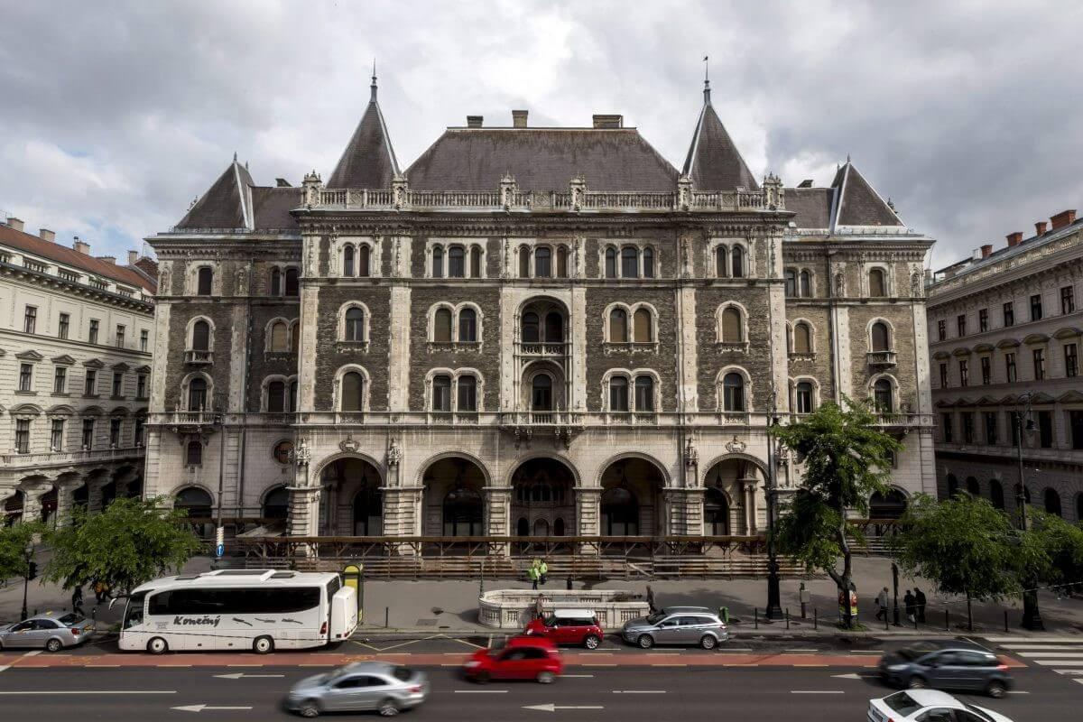 Luxusszálloda nyílik a Balettintézet egykori épületében