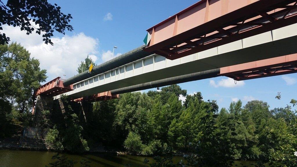 Gyalogos hidat újít meg a Duna felett az A-Híd