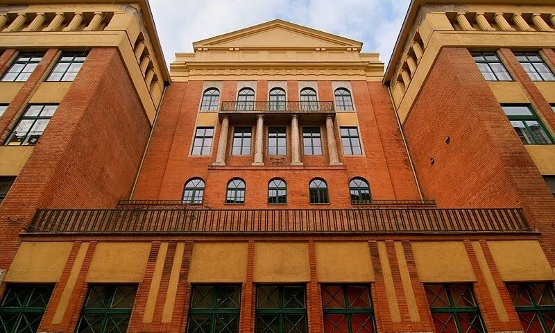 Az ELTE tizenöt épülete korszerűsödik még az idén