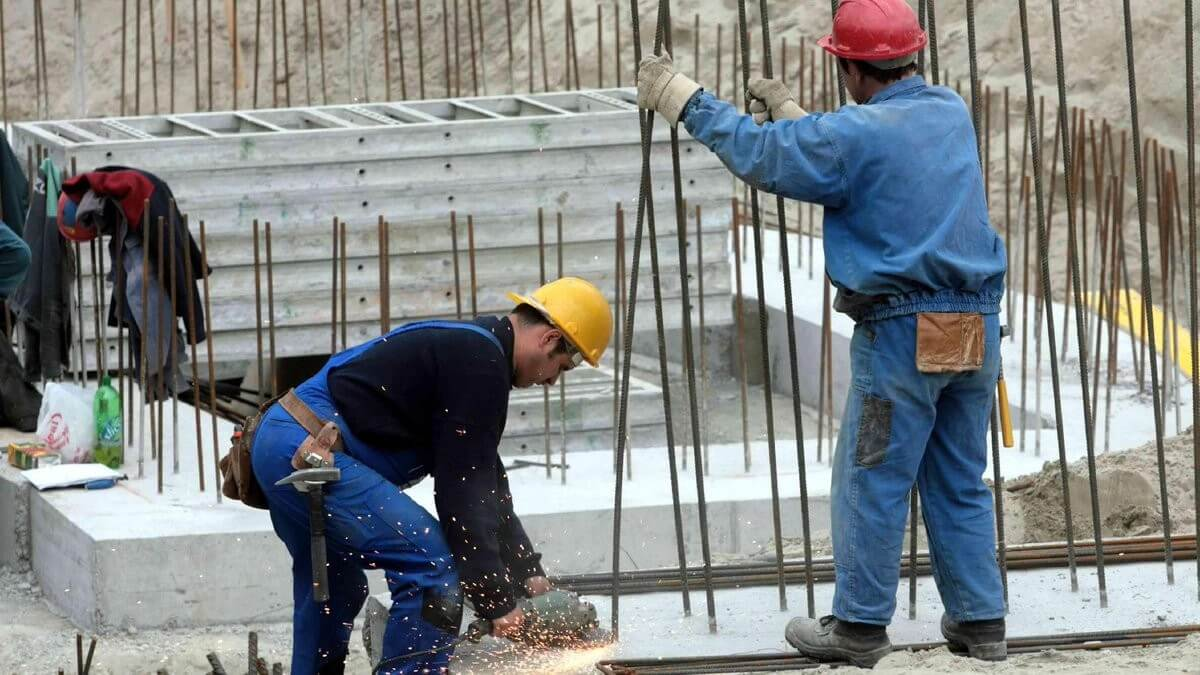 GKI: az építőipari cégek 94 százalékát érinti a szakmunkáshiány