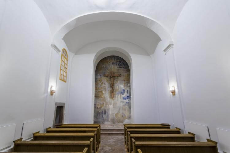 Romákat segítő fontos egyházi létesítmény újult meg Esztergomban
