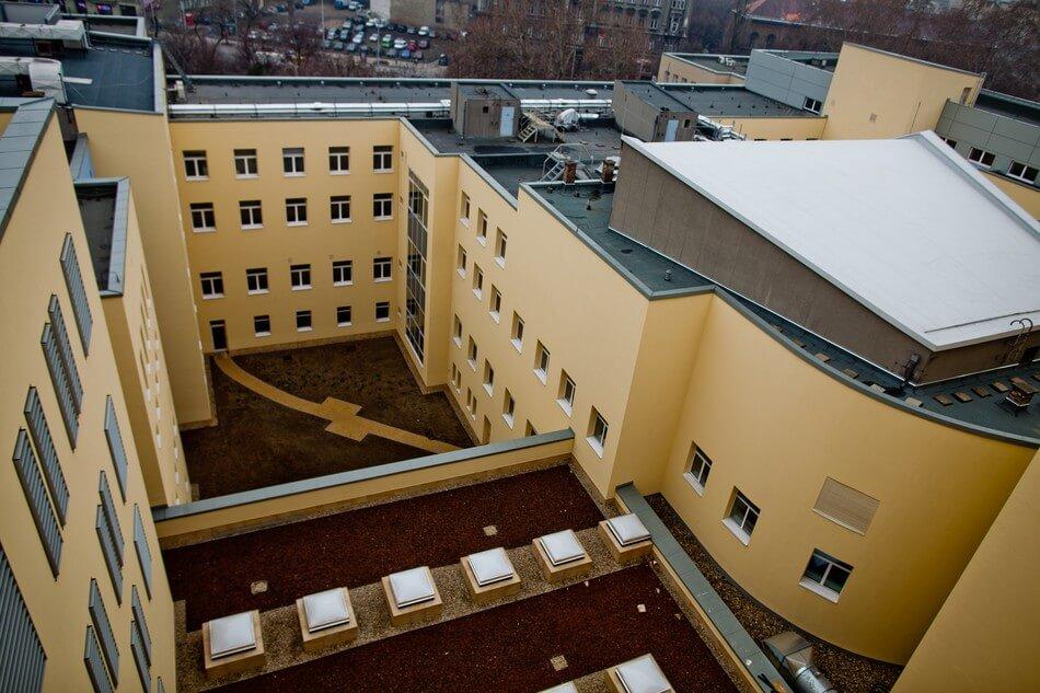 Nyolcszintes új betegellátót adtak át Budapesten