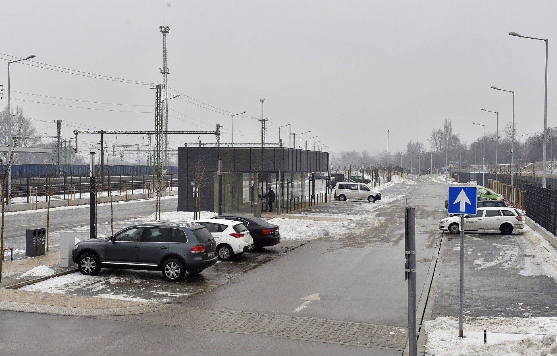 Teljes Kelenföld P+R parkolója, 1500 autónak van hely
