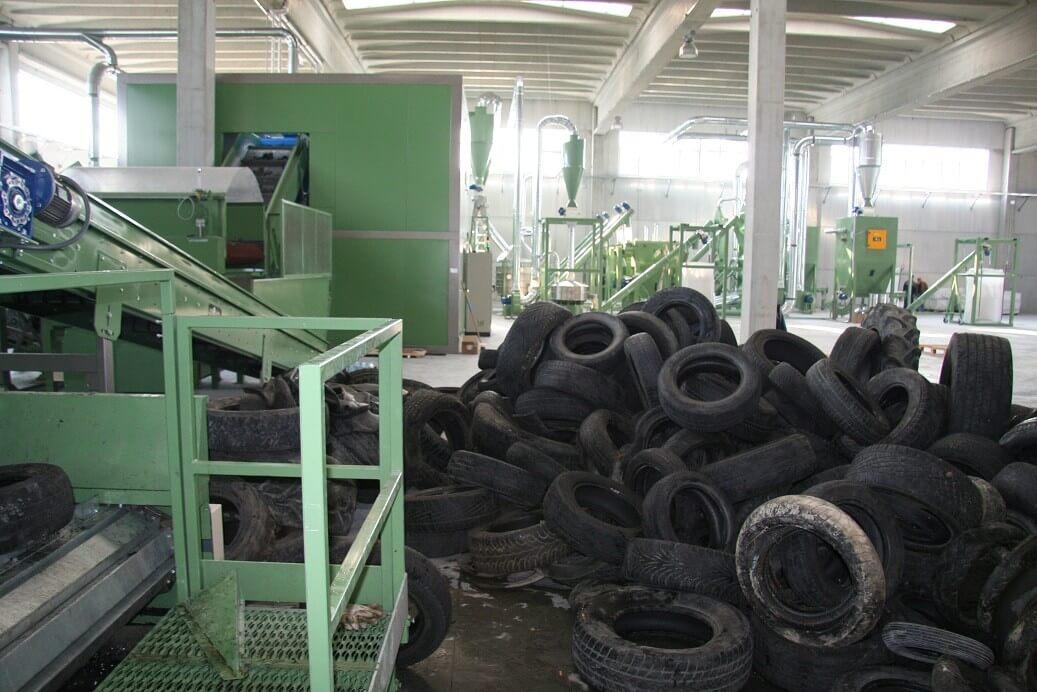 Évi 3000 tonna gumiabroncs hasznosulhat újra egy Szolnokon épülő üzemnek köszönhetően