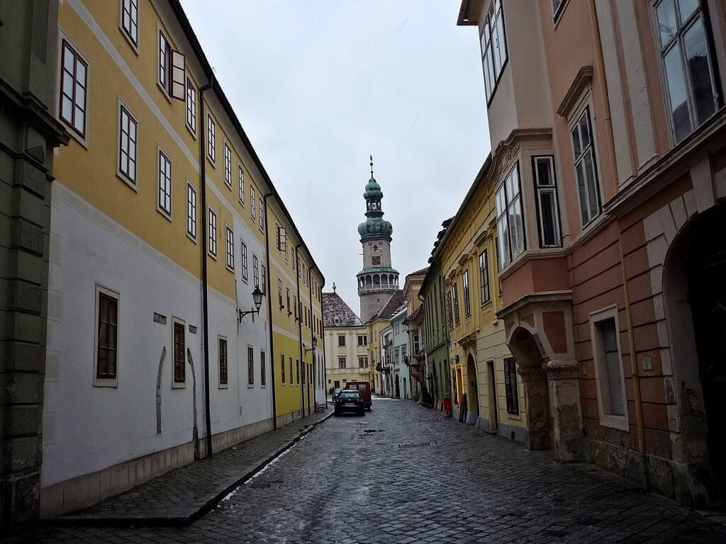 Átfogó felújítás kezdődik Sopron történelmi belvárosában