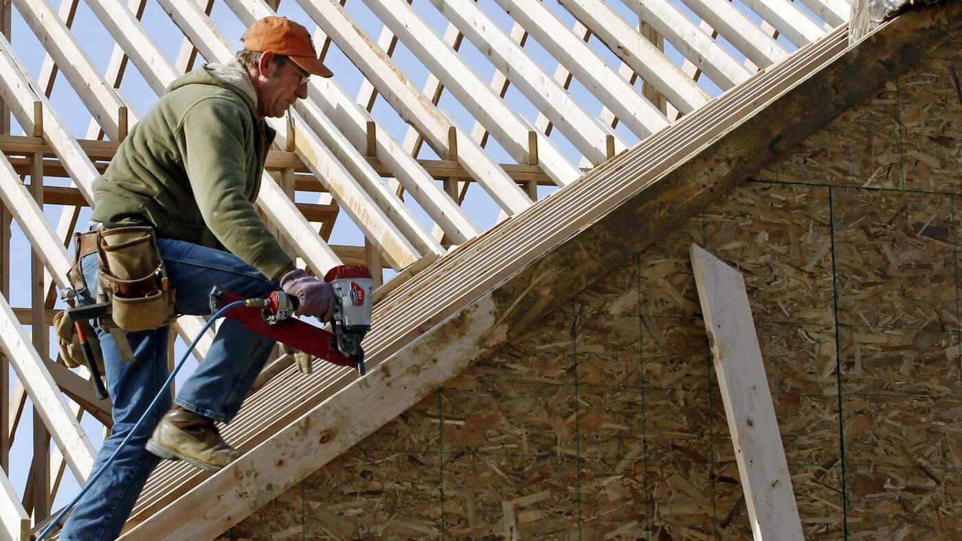 Hogyan kezelje az építőipar a drága biztosítási díjakat?