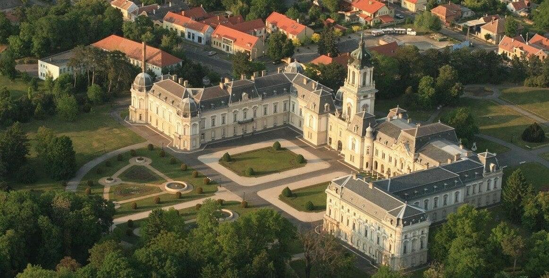 Keszthelyen és Nagycenken is folytatódik a kastélyfejlesztés