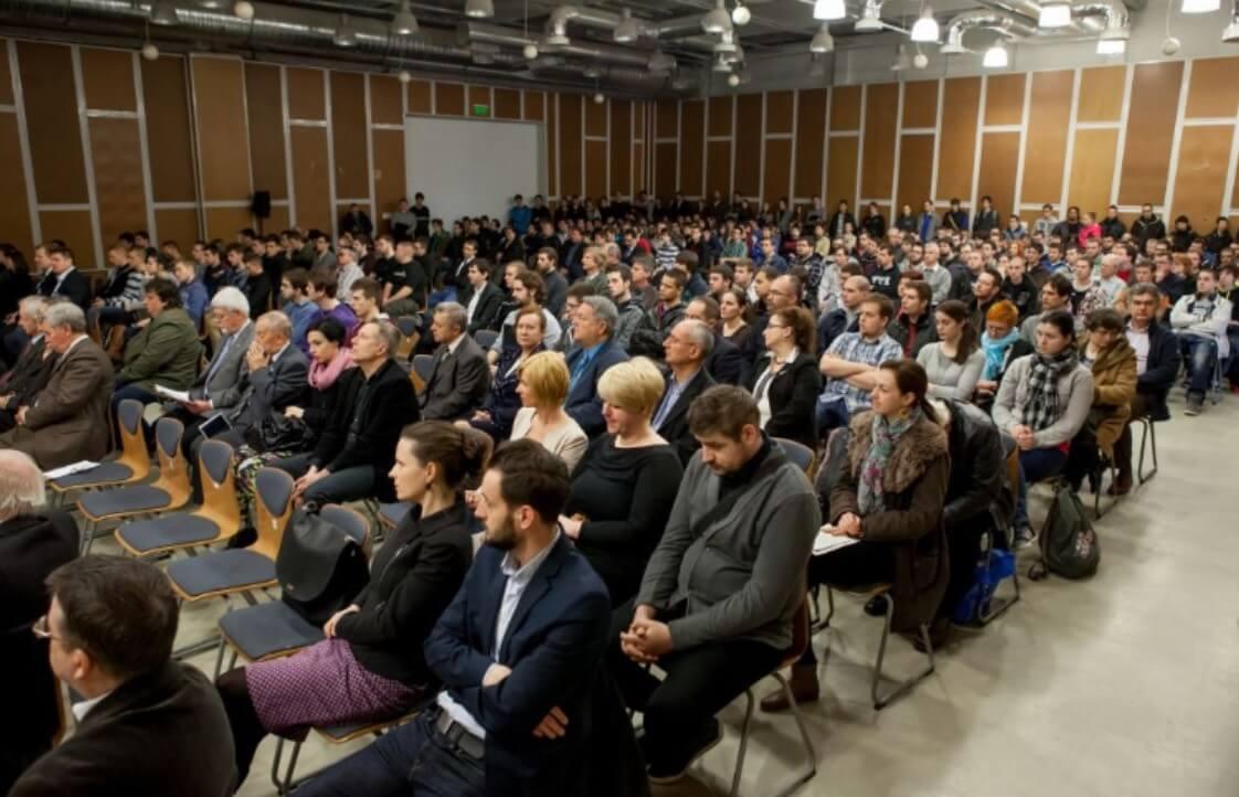 Pécsre várják az építőipar javát