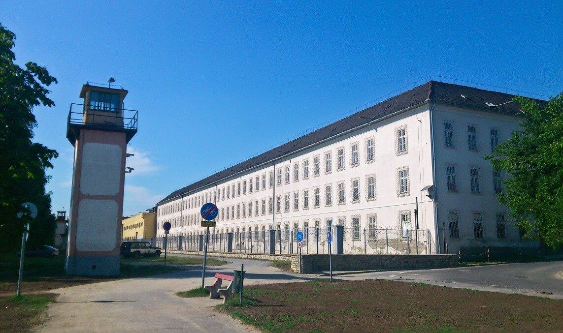 Rabok építik a váci börtön új zárkáit