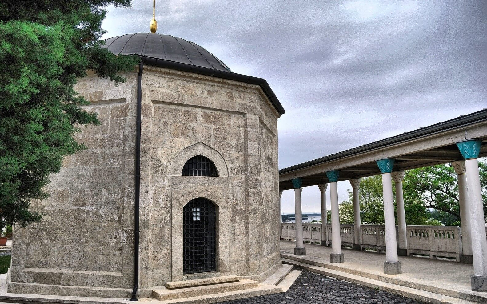 Kiderült, mi minden kapcsolódik a Gül Baba türbe felújításához