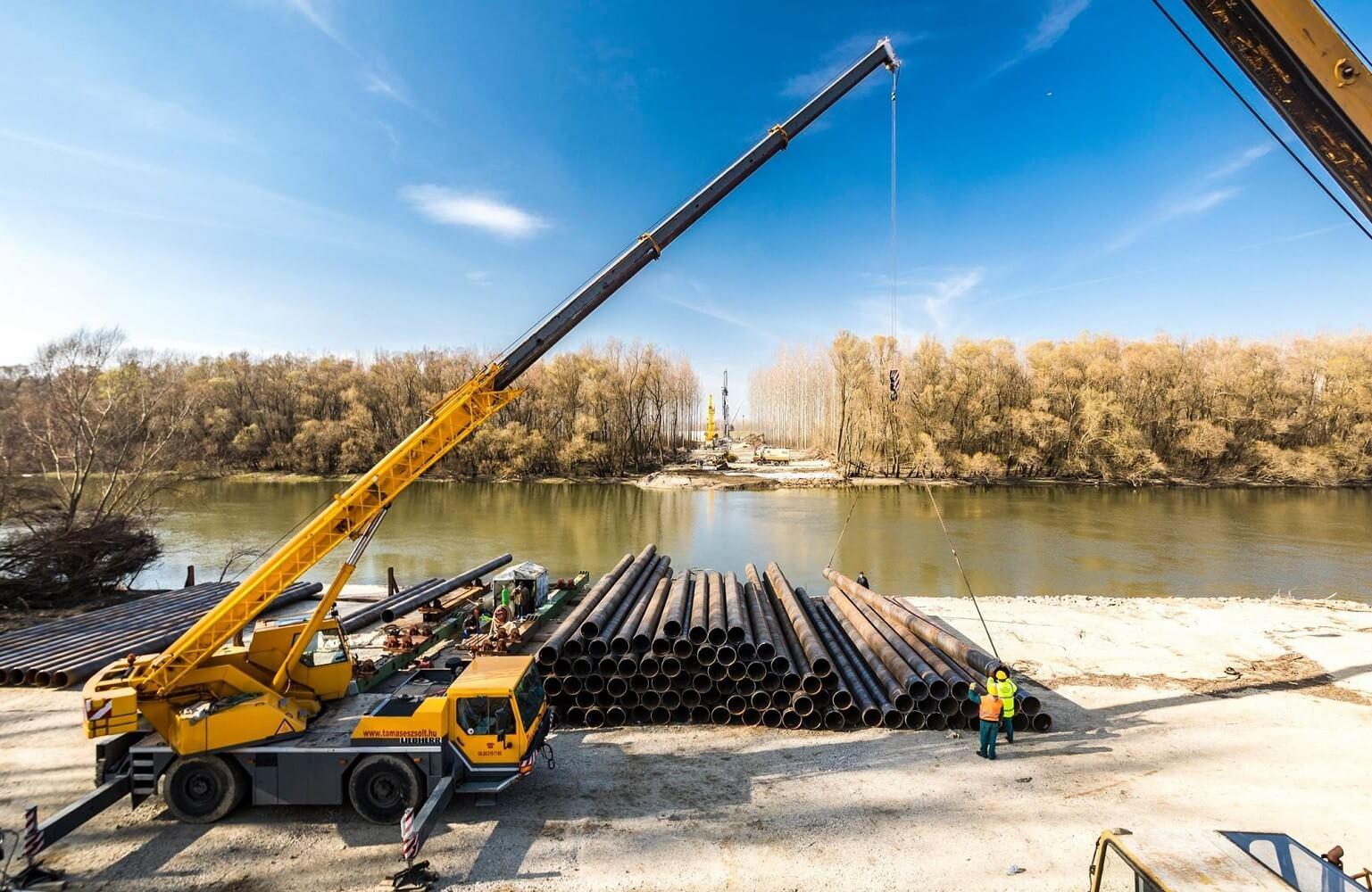 Elkezdődött a Mosoni-Duna hídjának építése a győri elkerülőn