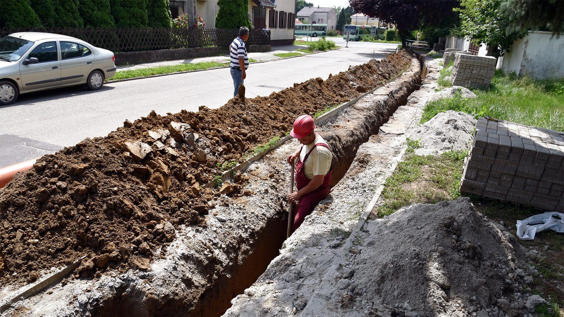 Szekszárd ivóvízhálózatát bővíti a Duna Aszfalt