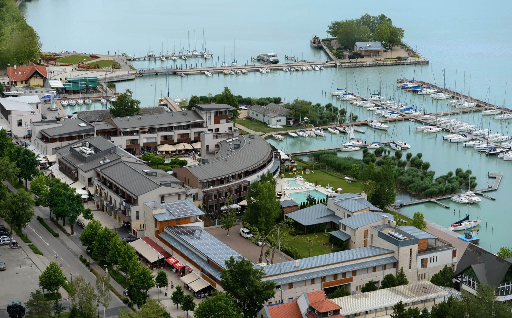 Októberben kezdődik Balatonfüred új kikötőjének építése