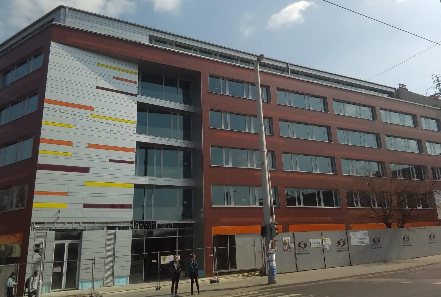 Közel a befejezéshez a Hungária körúton születő irodaház