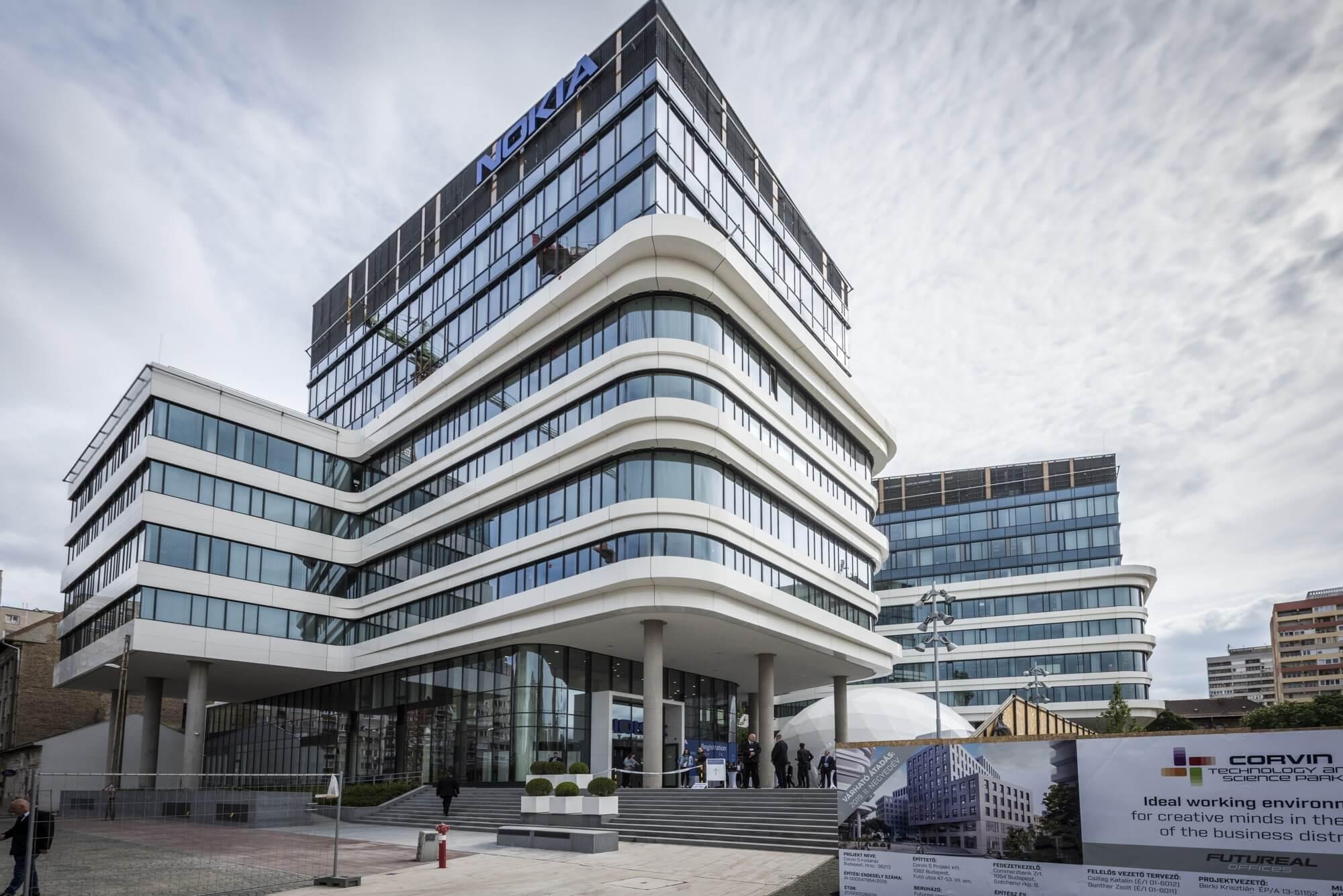 Átadták az ország legnagyobb K+F központját