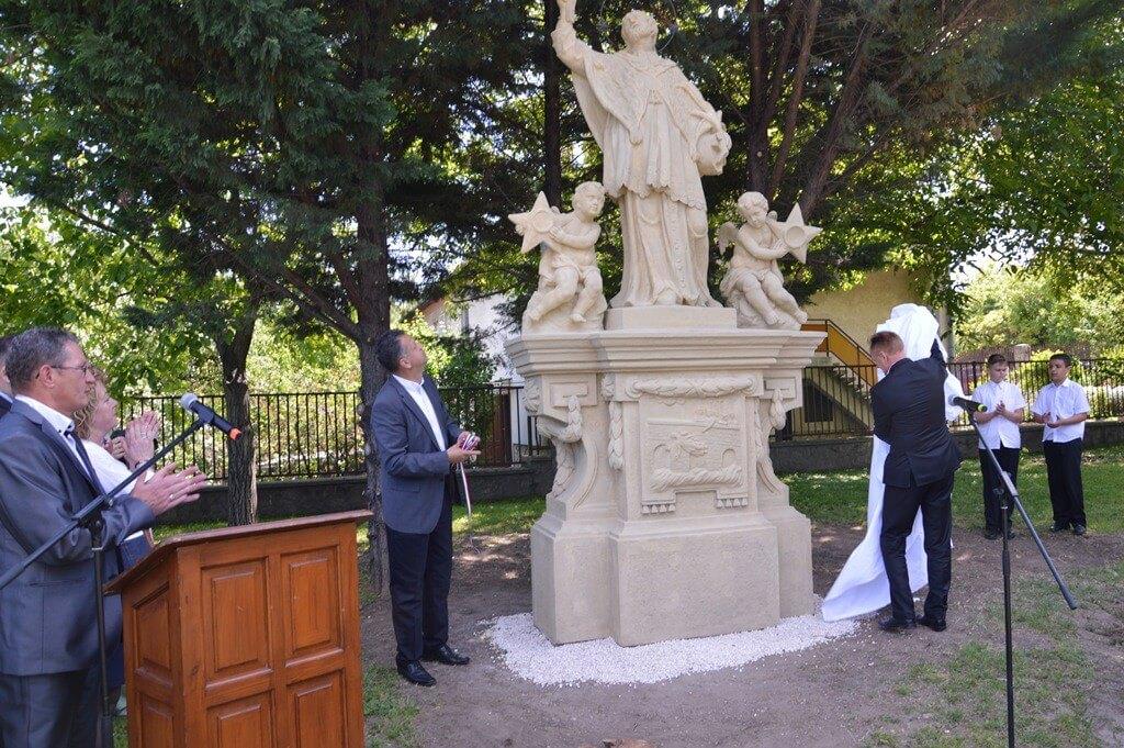 Soroksáron újította fel Nepomuki Szent János szobrát az A-Híd
