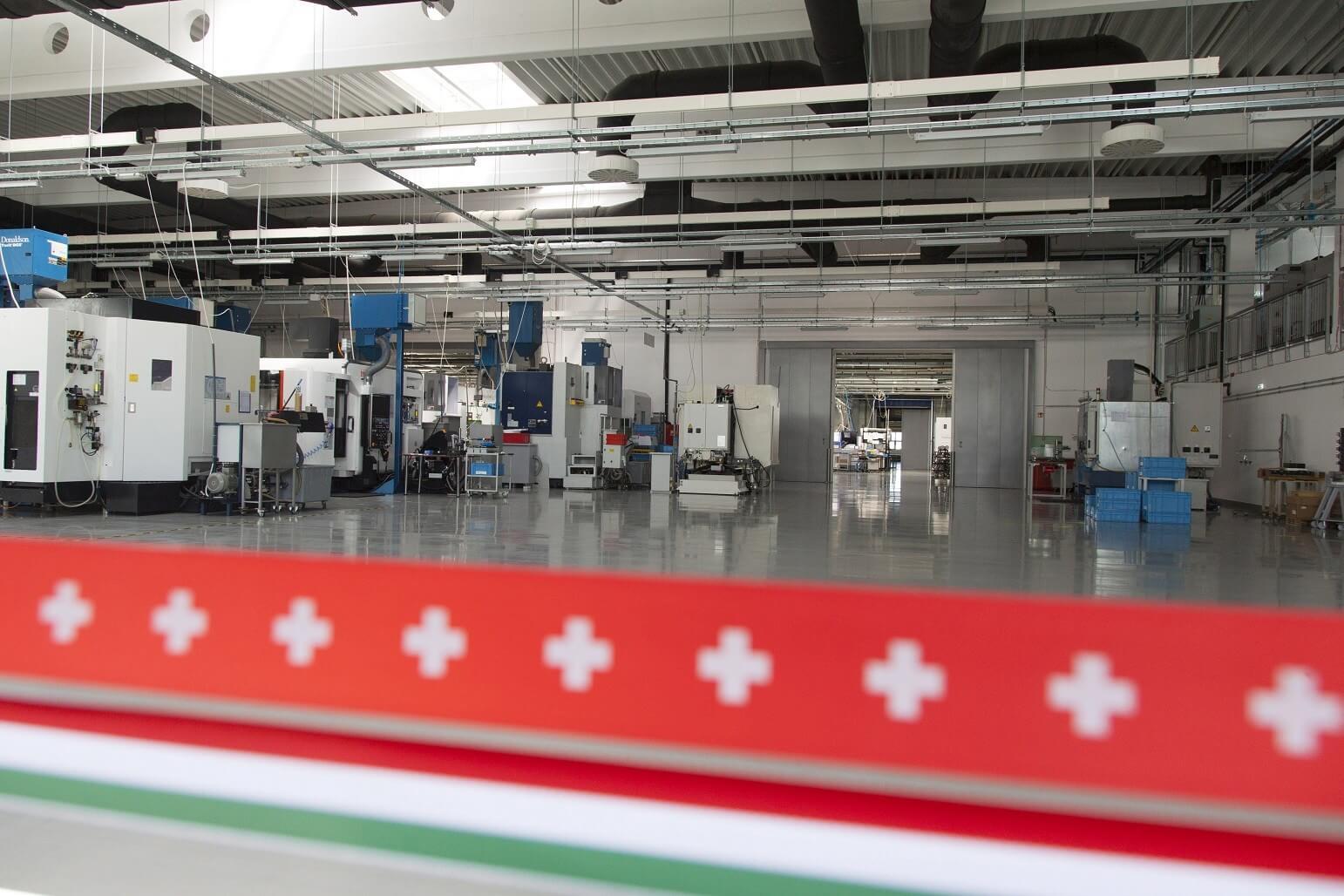 1600 négyzetméteres gyártócsarnokot épített egy garázsból indult cég