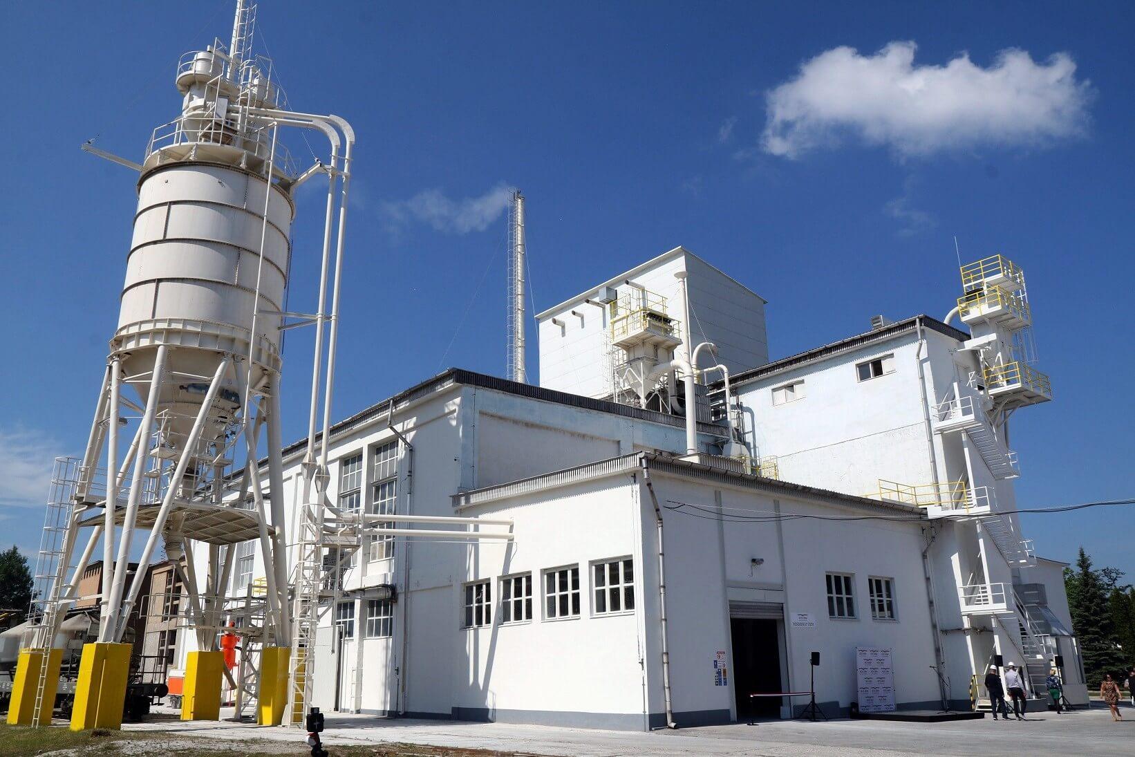 Újjáéled Hejőcsabán a hat éve leállított cementgyártás