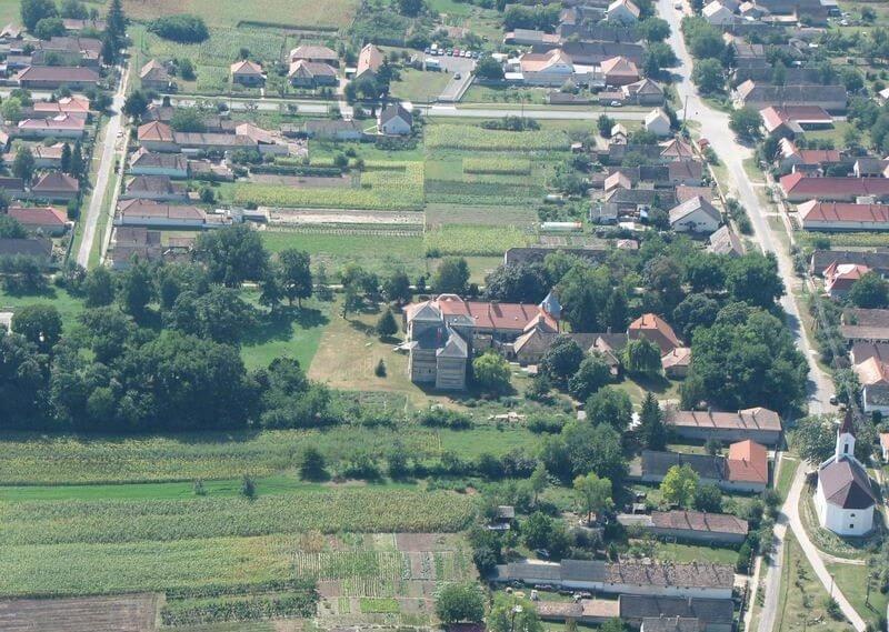 Új üzem éleszti fel a gyógynövénytermesztést Tolnában