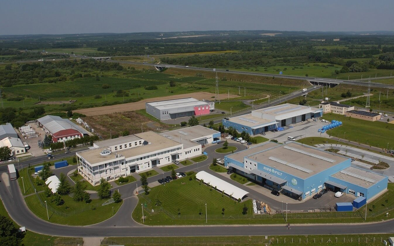 A teljes gyártását Bonyhádra telepíti egy német autóipari cég