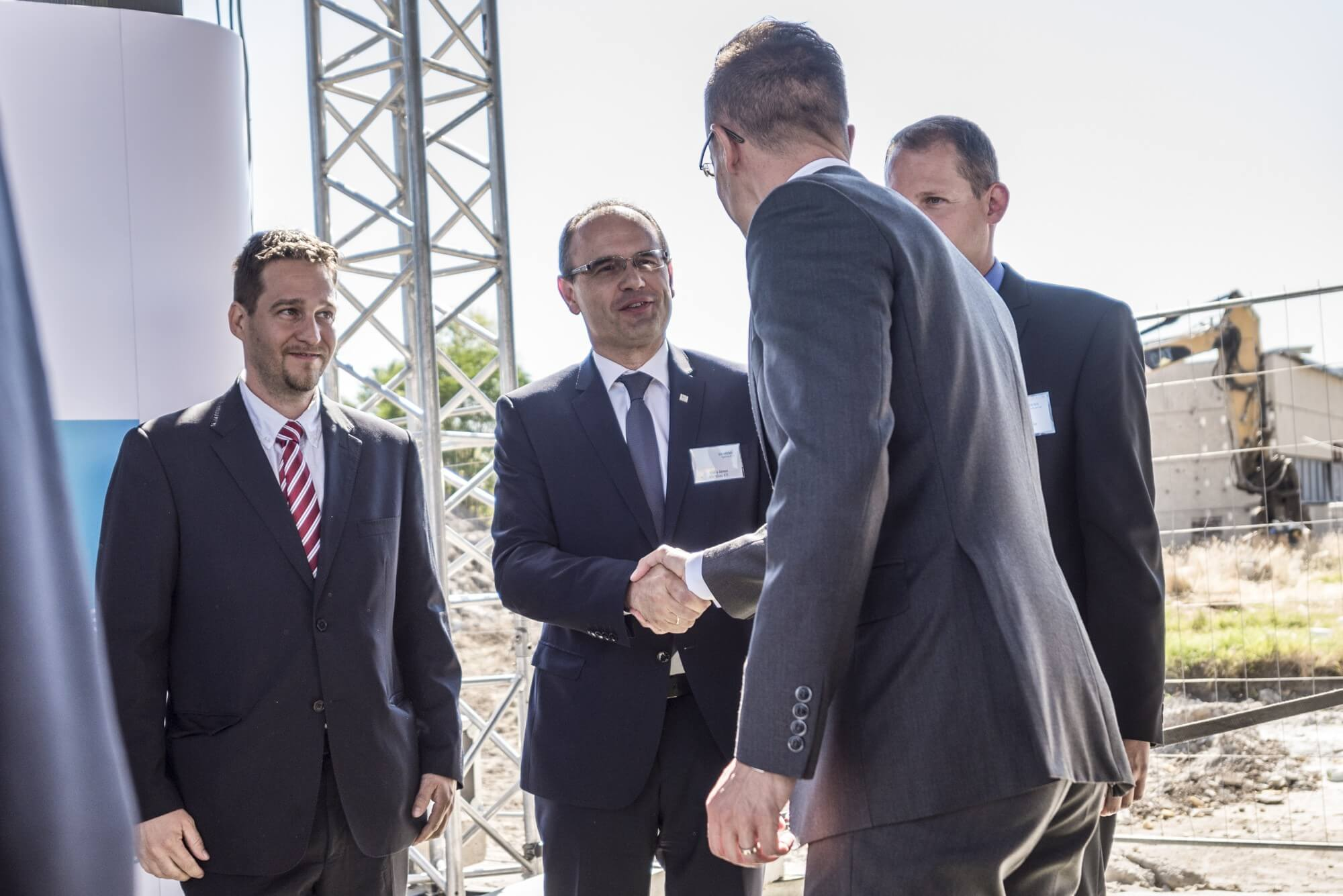 Tízmilliárdos beruházást kivitelez a Merkbau a Siemensnek