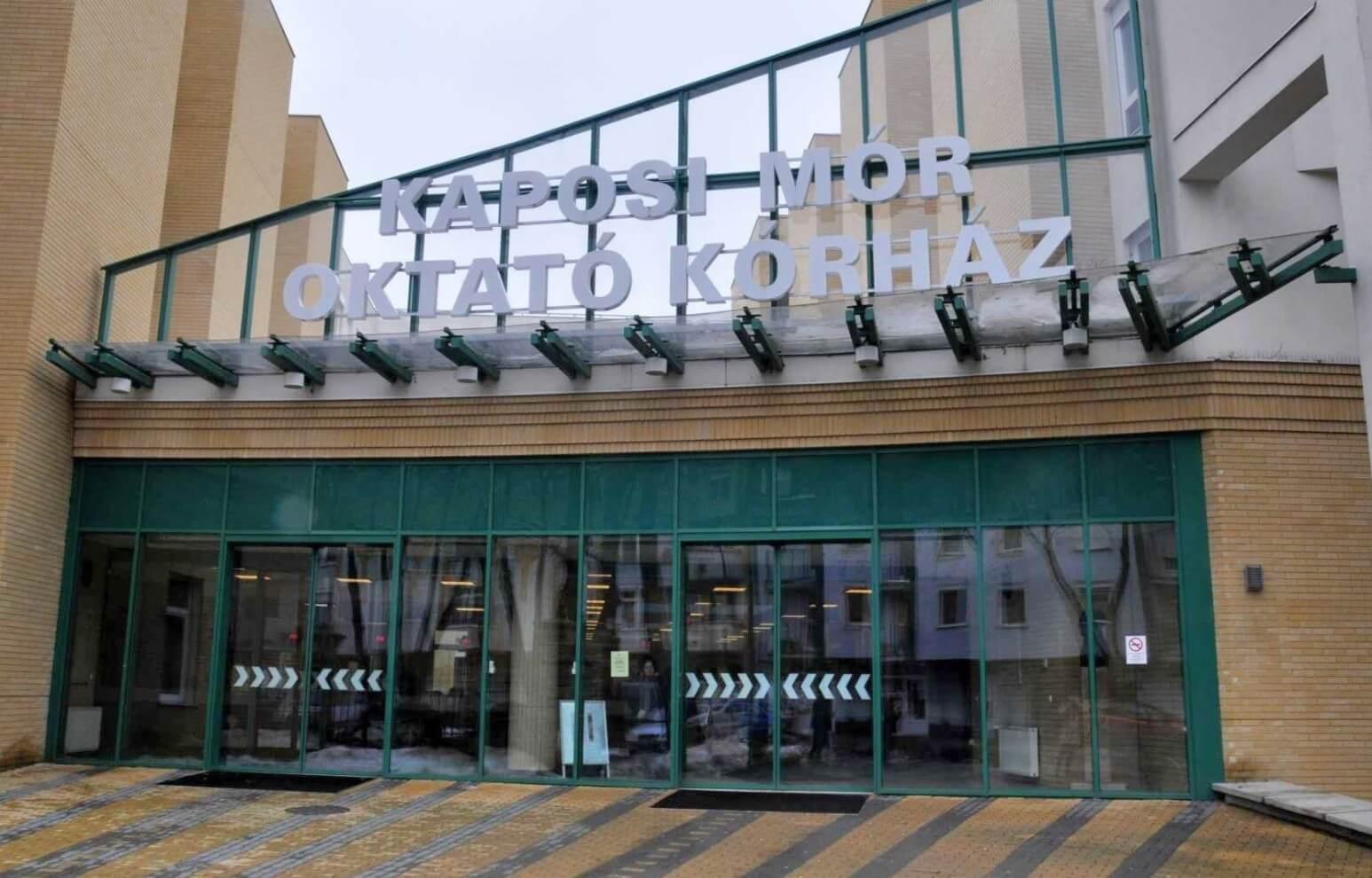 Közparkként éled újjá a kaposvári kórház déli tömbje