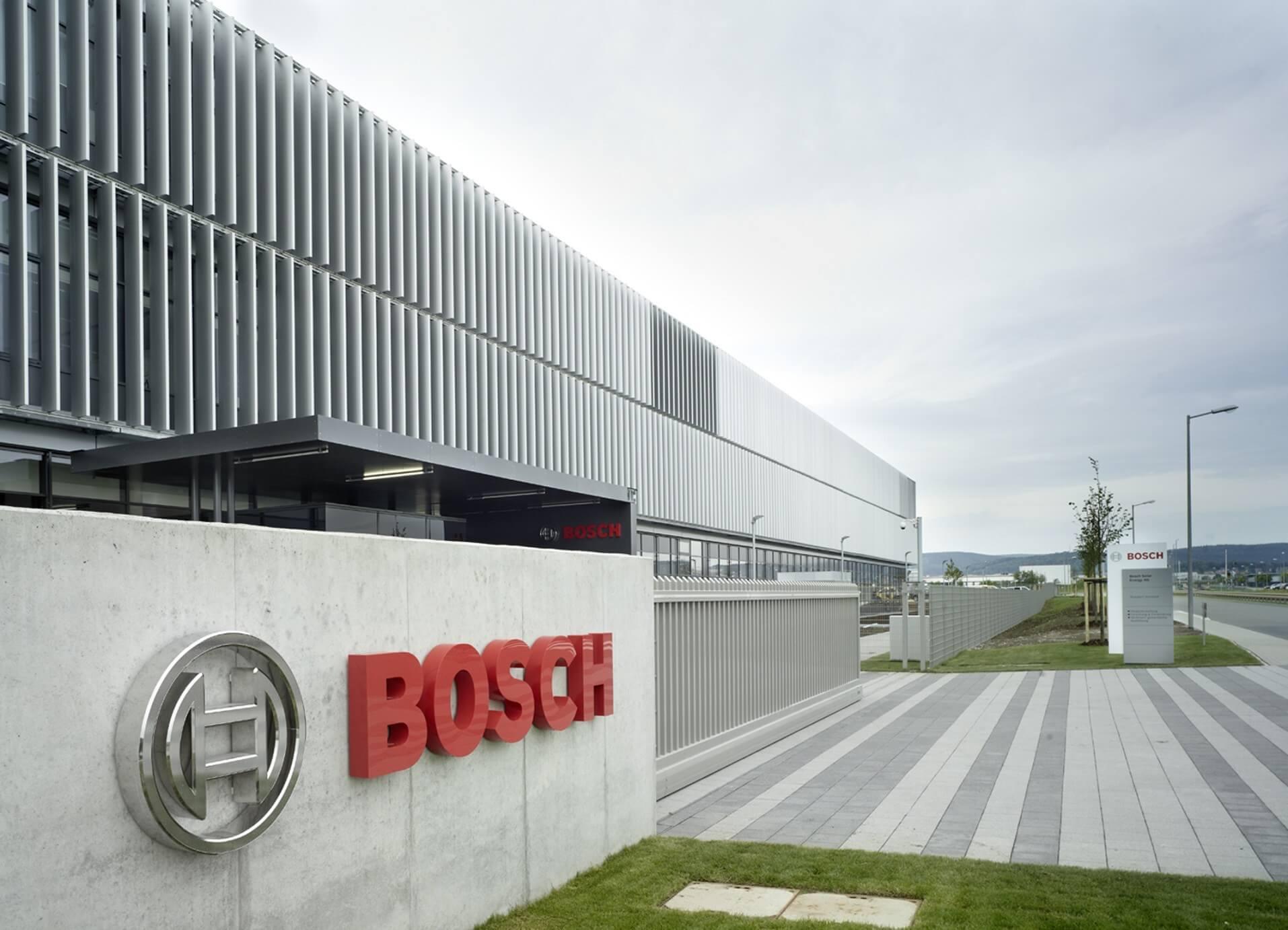 Napokon belül kezdődik a Bosch 17 milliárdos építkezése Hatvanban