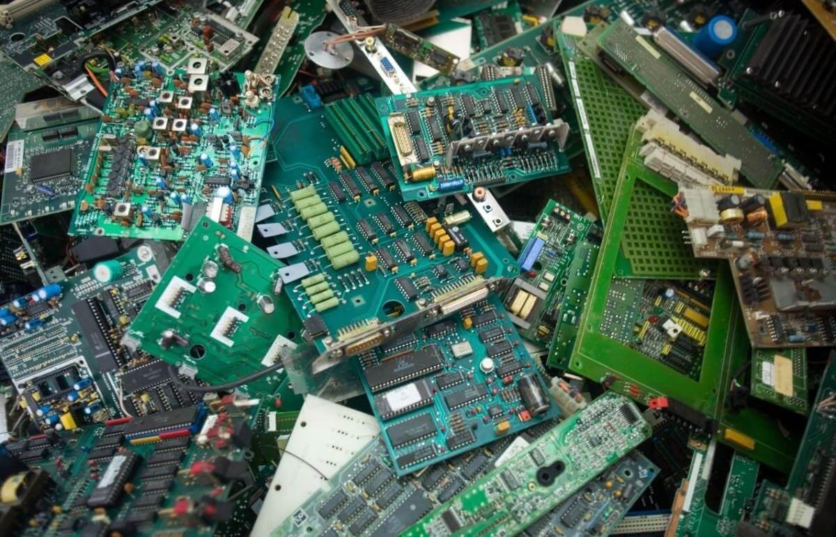 Akár 9 ezer tonna elektronikai hulladéktól is megszabadíthat az Etén épülő bontó