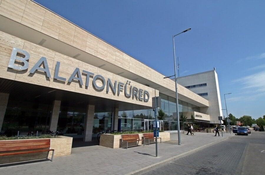 A vizes vb-t várva teljesen megújult Balatonfüred busz- és vonatállomása