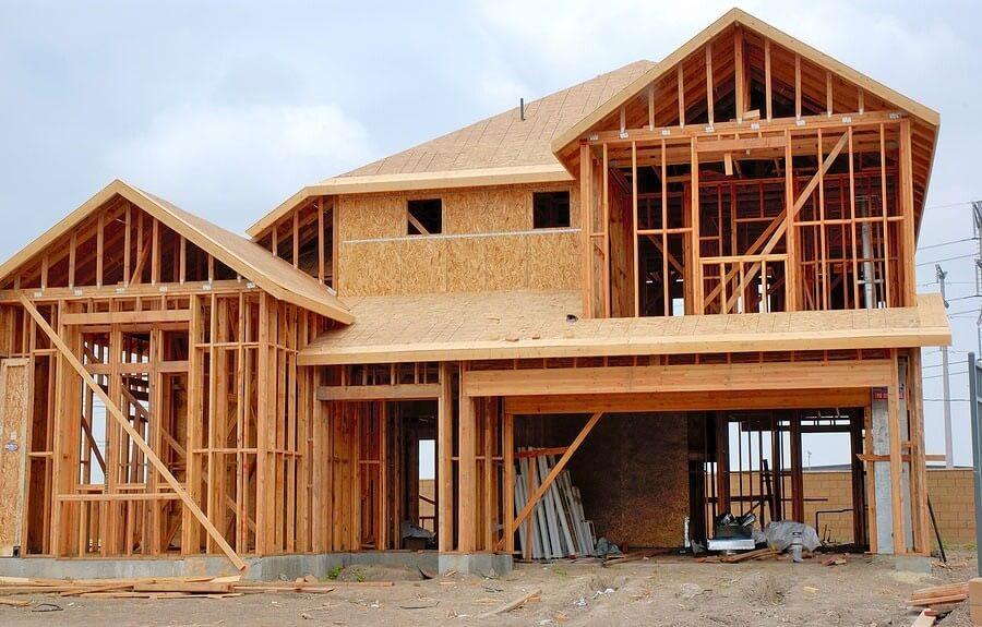 Már májusban 200 milliárd fölé jutott az építőipar